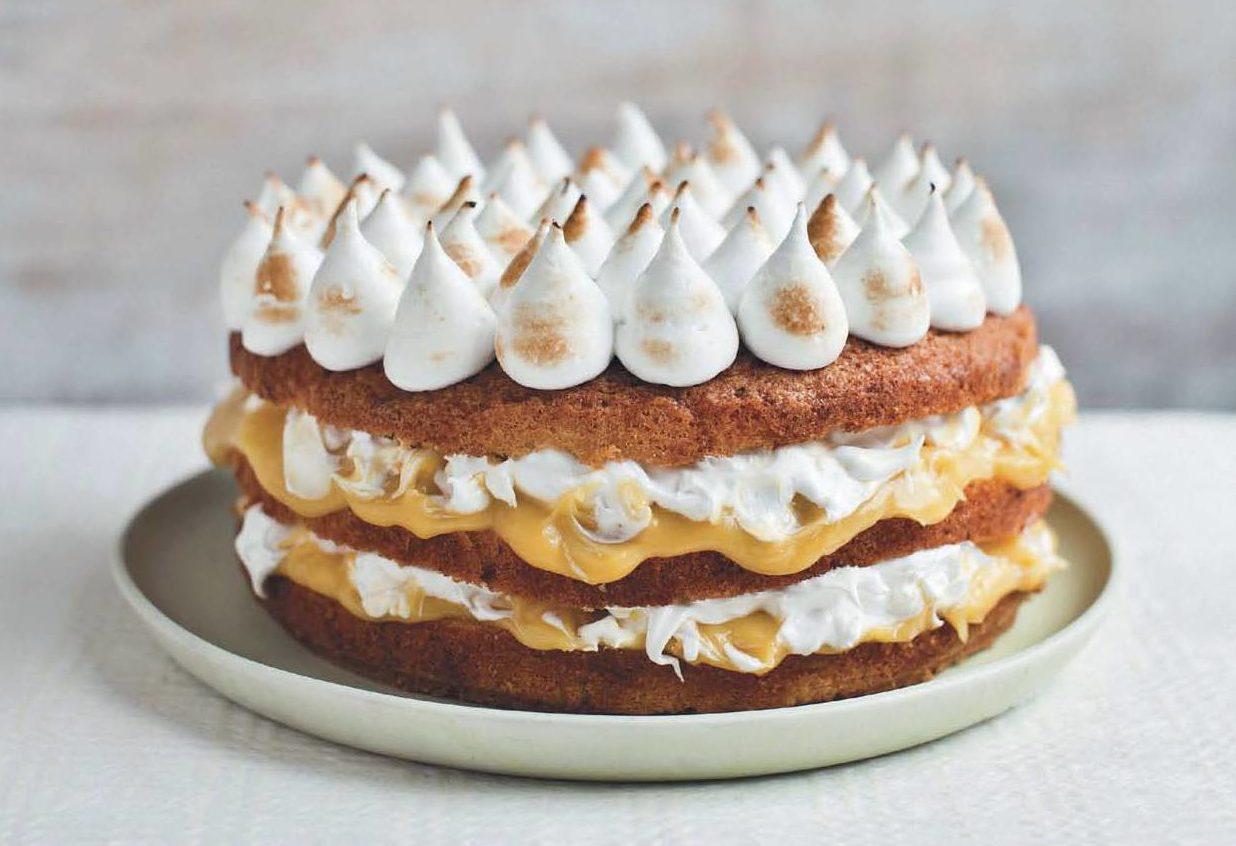 Торт с безе и кремом