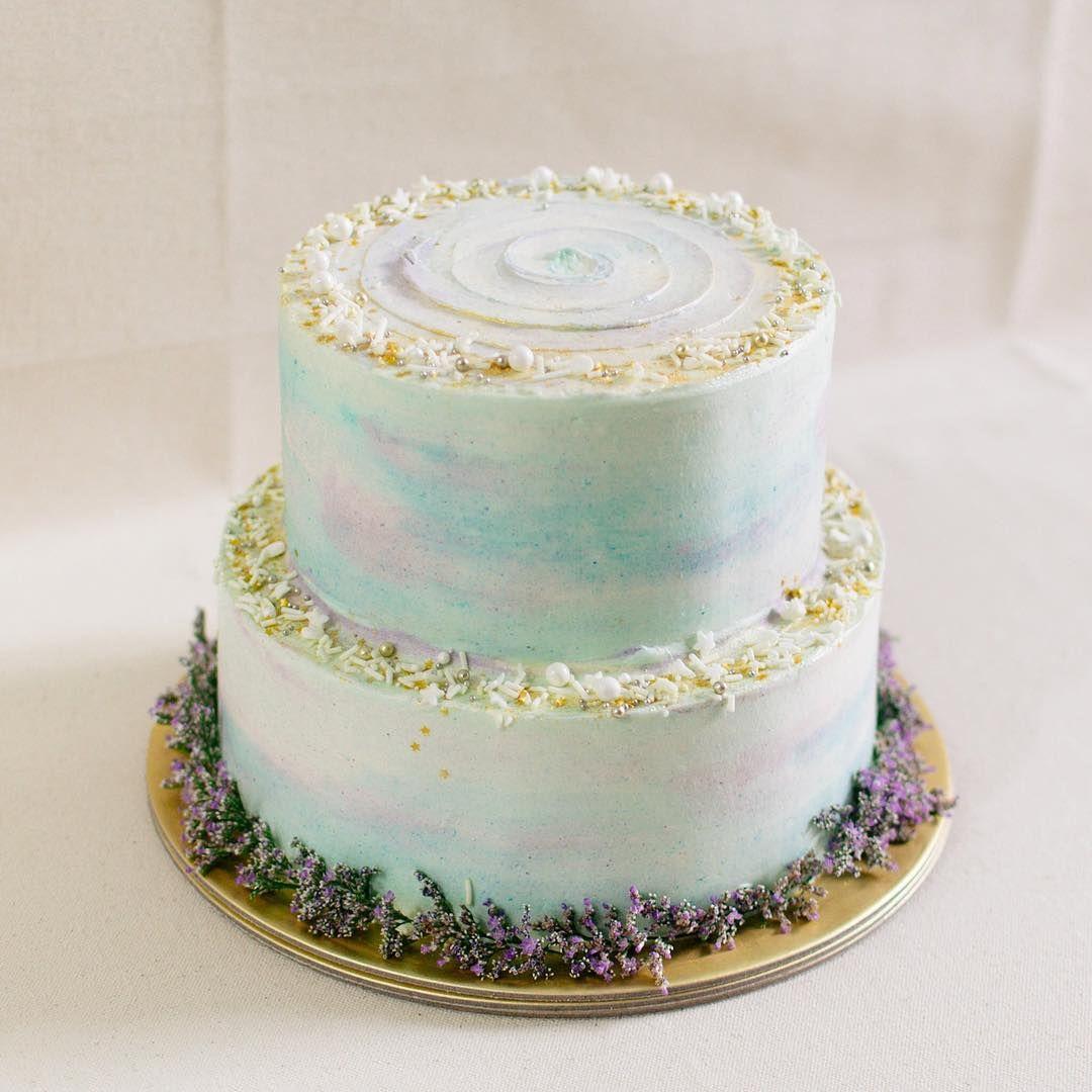 Нежный двухъярусный торт