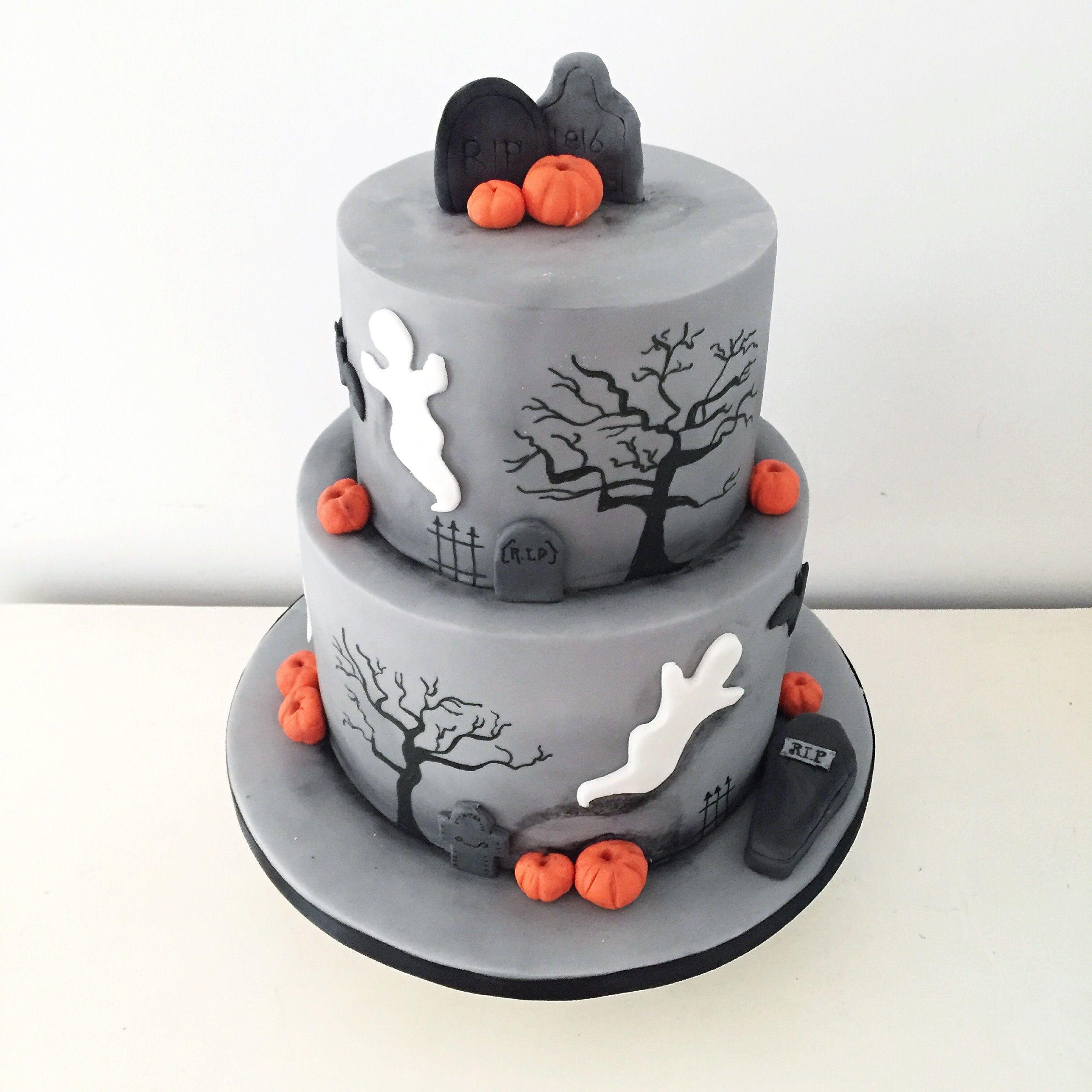 Двухъярусный торт Хэллоуин