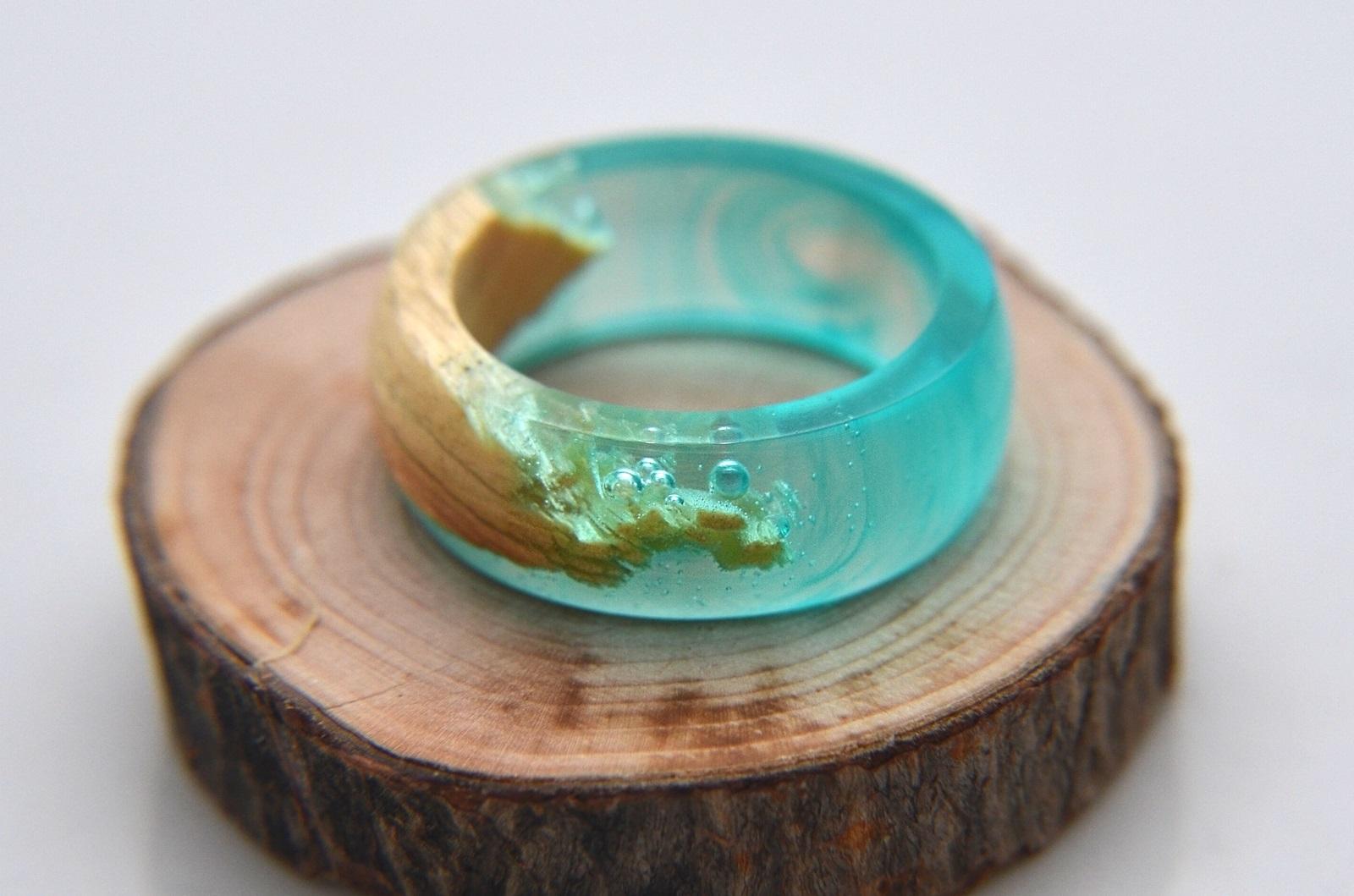 Кольцо из эпоксидной смолы
