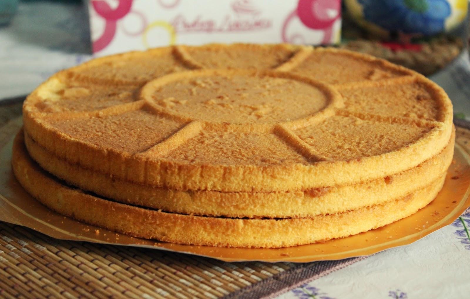 торт можно сделать из покупных коржей